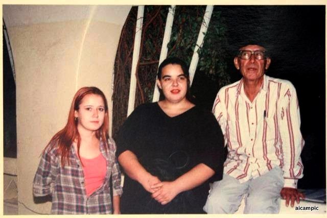 Abigael Bohórquez, con Nina Mier y Karla Valenzuela | Foto: Ana Isabel Campillo
